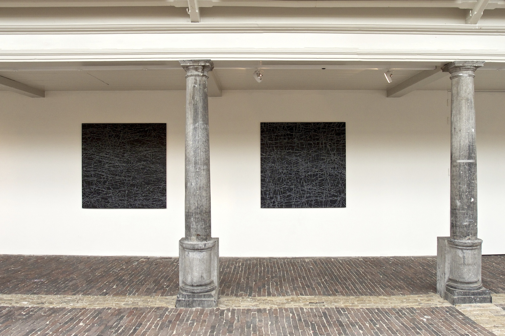 "Z.T. 122 x 122 cm, in ""Order is half of Life"" in the Vishal in Haarlem"